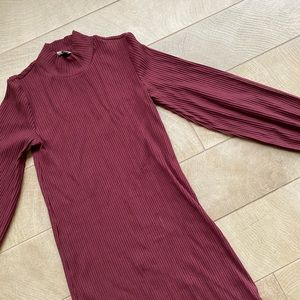 Aritzia Dresses - Aritzia Maroon Ballon Sleeve Dress